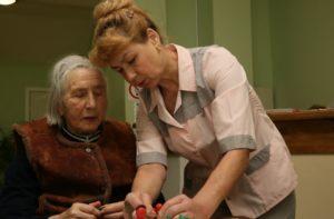 Пансионат для людей с деменцией: когда на самостоятельное ухаживание нет времени