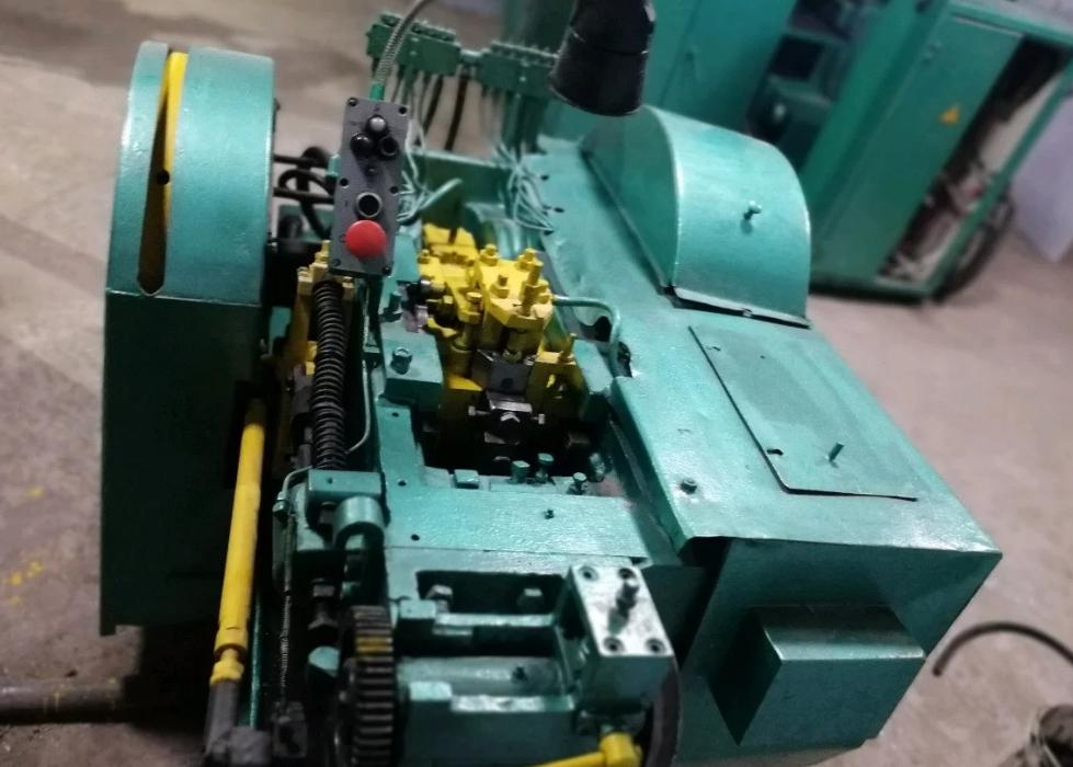 Холодновысадочный станок аа1216 для производства саморезов