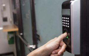 Биометрические системы контроля и управления доступом (СКУД)