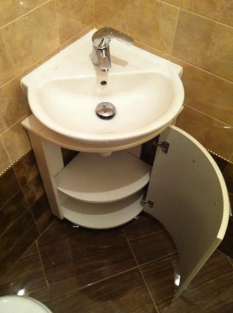 Угловая тумба под раковину для ванной