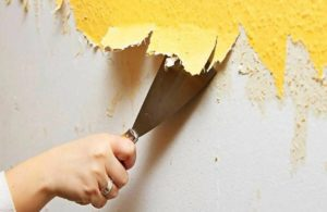 Как снять старые обои со стен