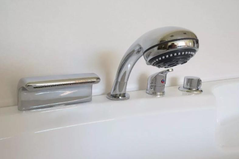 Врезные смесители для ванной комнаты