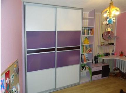 Выбираем шкаф купе в детскую комнату