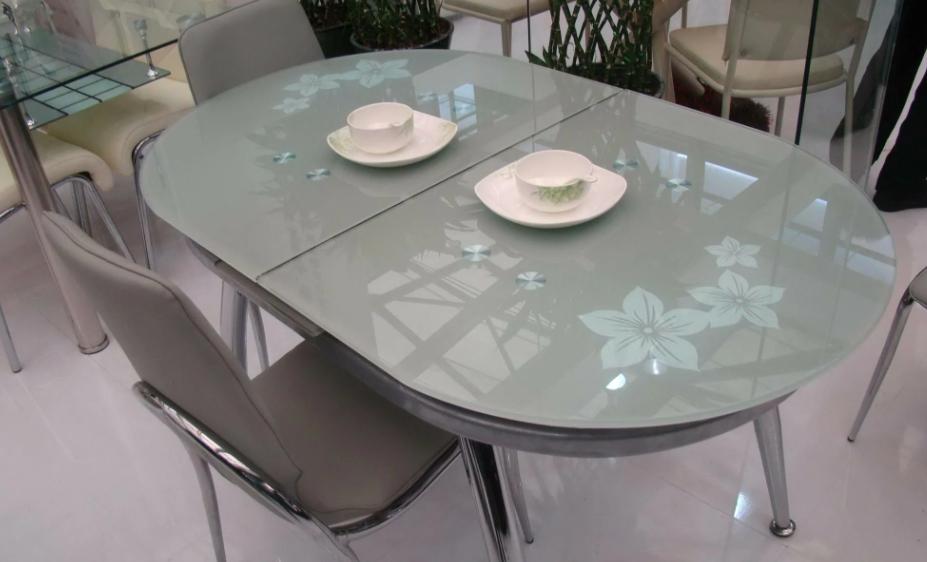 Раскладные стеклянные столы для кухни