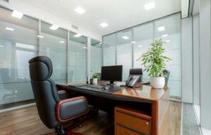 На начальном этапе развития бизнеса нет смысла покупать офисное помещение