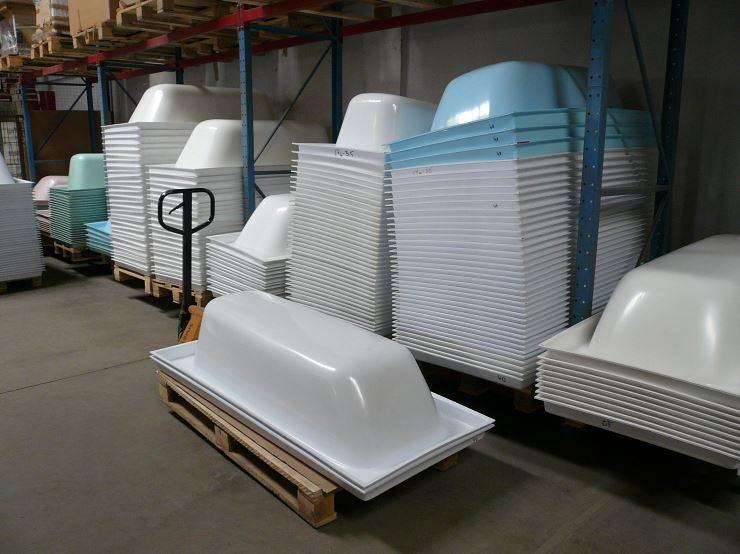 Производство акриловых вкладышей для ванн.