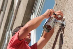 Установка камер видео наблюдения для обеспечения безопасности частного дома