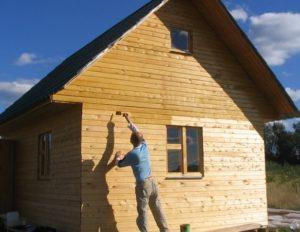 Что сделать, чтобы дачный дом или баня из бруса простояли долго?