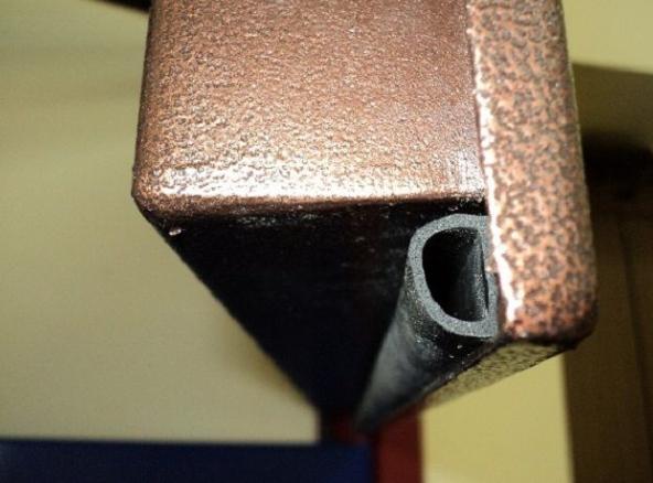 Резиновые уплотнители для входной двери